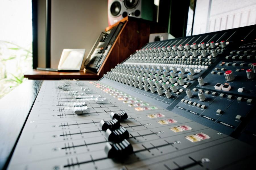 Il Fondo Sociale Europeo e la Regione finanziano un corso per Operatore Radiofonico
