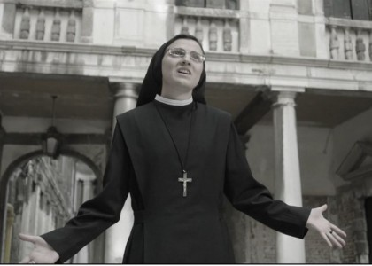Riecco Suor Cristina con 'Like a virgin'
